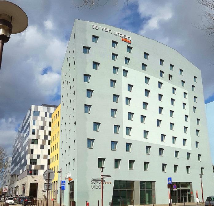 Seven Urban Suites Nantes Centre ****, Nantes