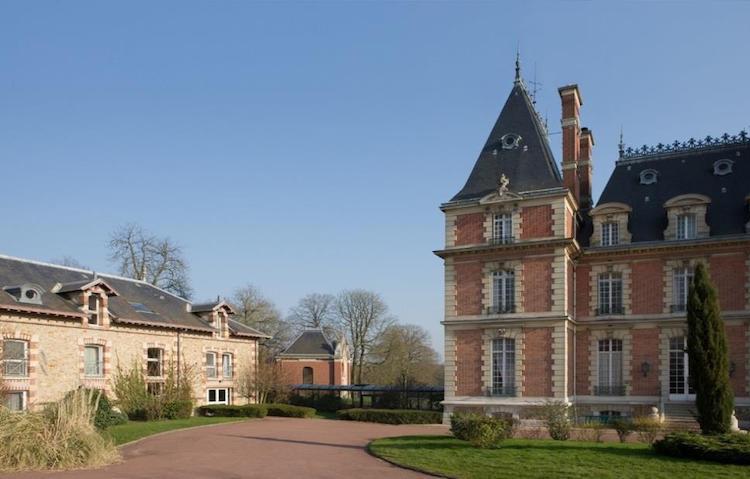 Le Château d'Eve, Ève