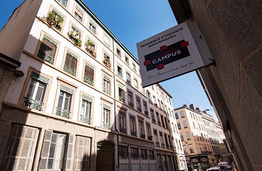 Montesquieu, Lyon
