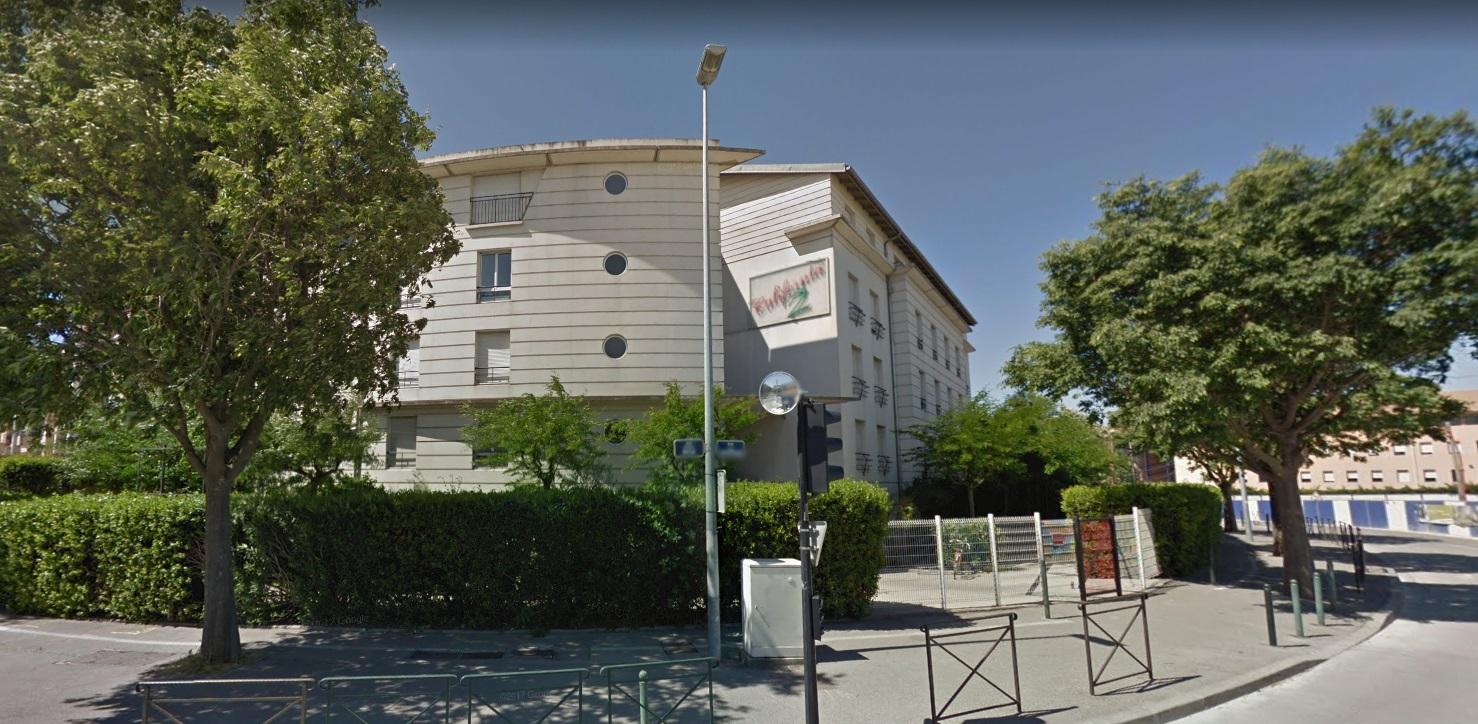 California 2 , Aix-en-Provence
